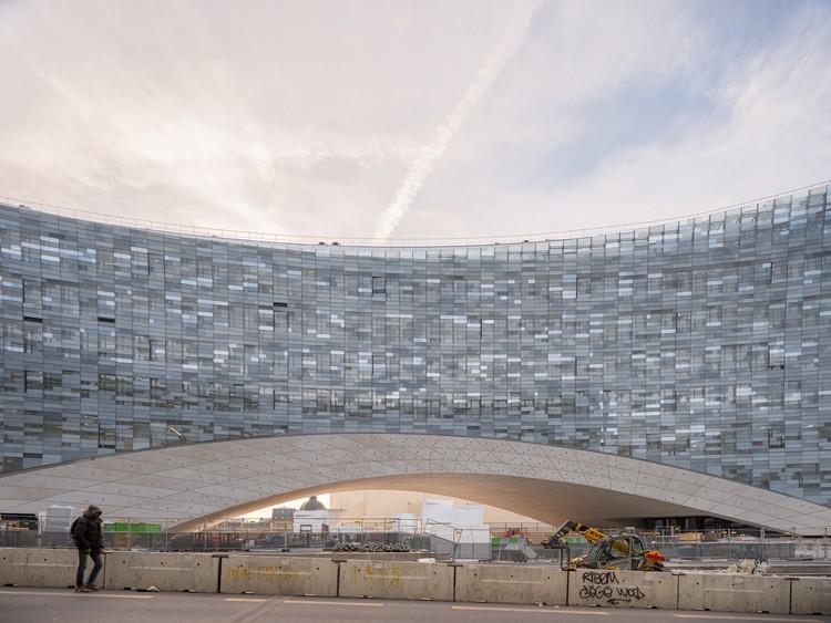 Офисное здание Le Monde / Snøhetta + SRA Architects.  Фото: © Жан-Марк Безасье