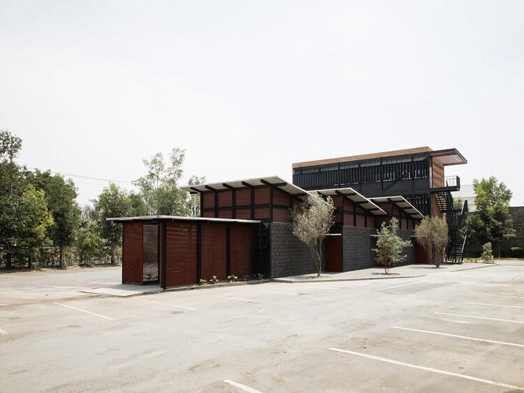 Talleres de prácticas industriales / SOFArquitectos, © Andrés Carnalla