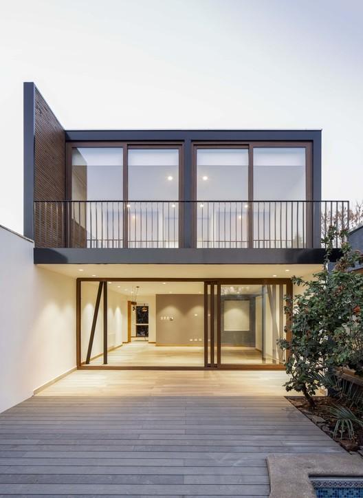 Casa Lerida / Christian Yazigi + Crescent Bohm Almbarti.  Photo © Aleson del Villar