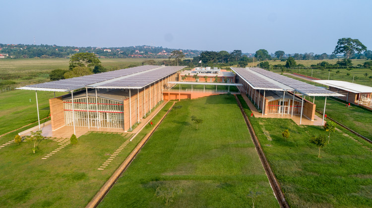 Children's Surgical Hospital / Renzo Piano Building Workshop + Studio TAMassociati , © Emmanuel Museruka – Malaika Media
