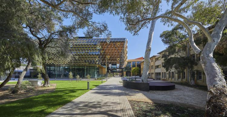 University of Western Australia, Ezone Student Hub.  Photo © Douglas Mark Black