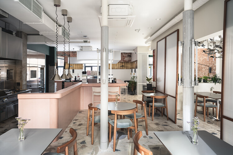 Sight Coffee and Dine / FORM Bureau, © Dmitriy Tsyrenshchikov