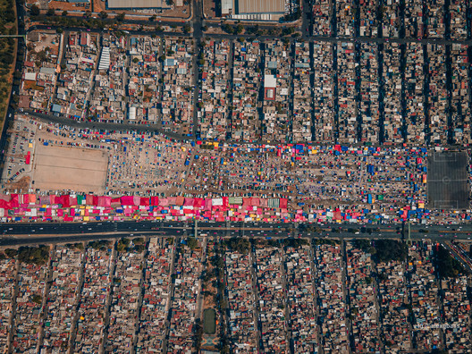 Commercial and Public Spaces: Aerial Photographs and an Interactive Map Help to Explore the Tianguis of Mexico City