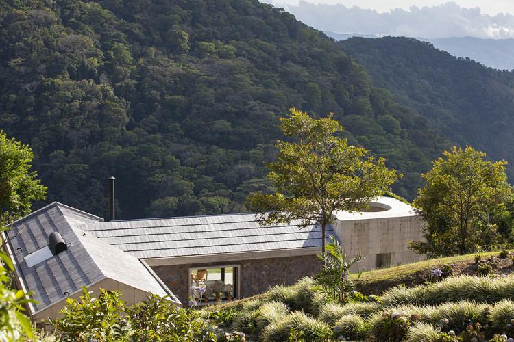 Casa salvaje / Mazpazz Arquitectura, © Andres Garcia Lachner