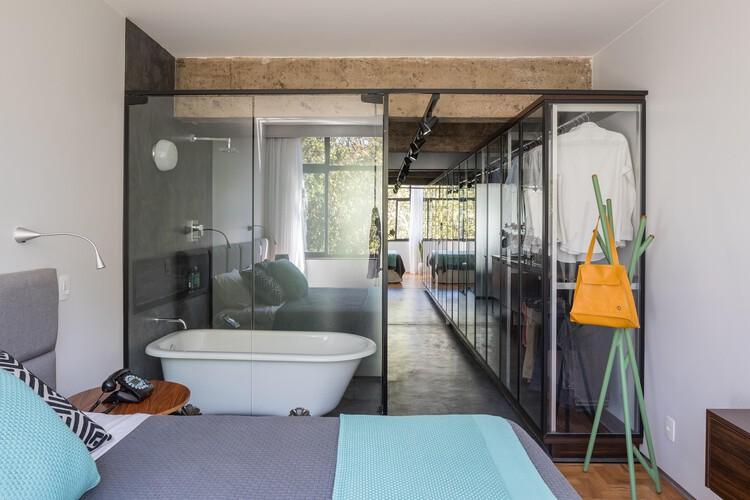 Умами Квартира / Интерьер Semerene Arquitetura.  Фото: © Харуо Миками