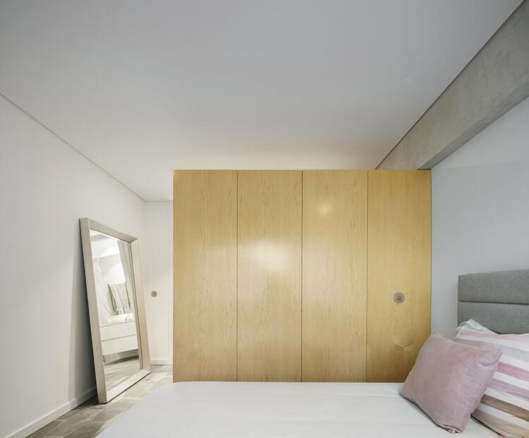 Семейные апартаменты Lar / Paulo Moreira Architectures.  Фото: © Ivo Tavares Studio