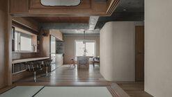 Ichijo-toma Apartment / kooo architects