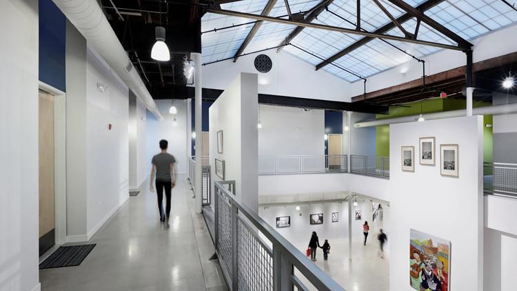 Paneles sándwich translúcidos: Edificios saludables con abundante luz natural, Elgin Artspace Lofts / BKV Group. Image © Kate Joyce