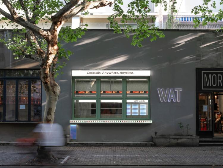 WAT Store / TOPOS DESIGN, the folding window. Image © Runzi Zhu
