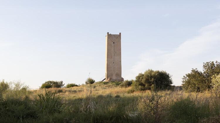 Consolidación y restauración de la torre Espioca de Picassent / el fabricante de espheras , © Milena Villalba