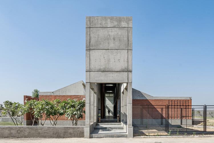 Casa Duas Baías / MISA ARCHITECTS, © Inclined Studio