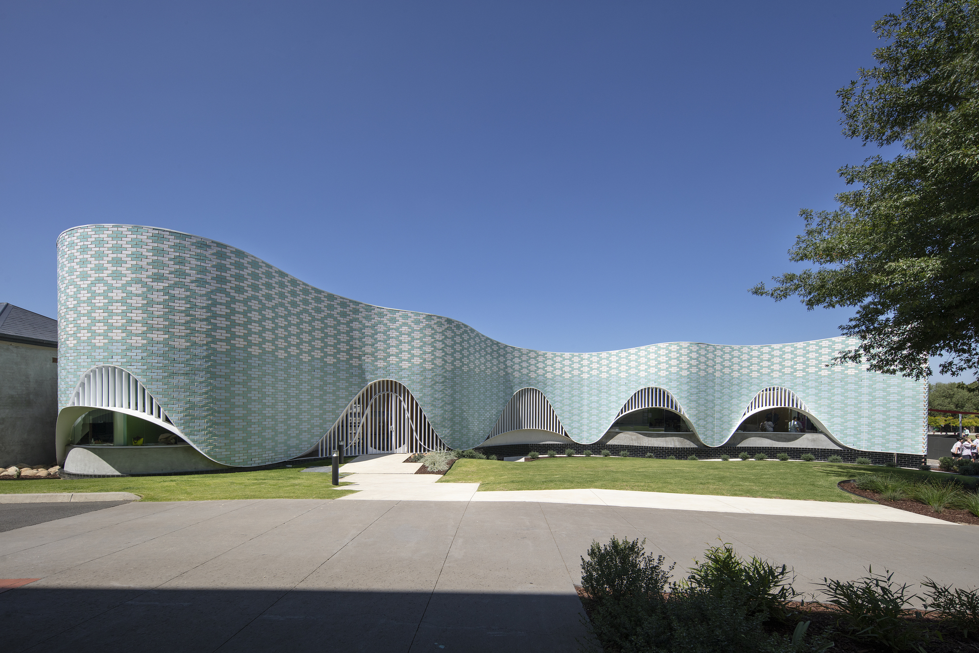 Penleigh and Essendon Grammar School Music Centre / McBride Charles Ryan