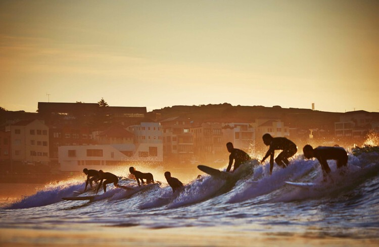 Bondi Beach Lifeguard Club / Durbach Block Jaggers + Peter Colchoun.  Image courtesy of Durbach Block Jaggers