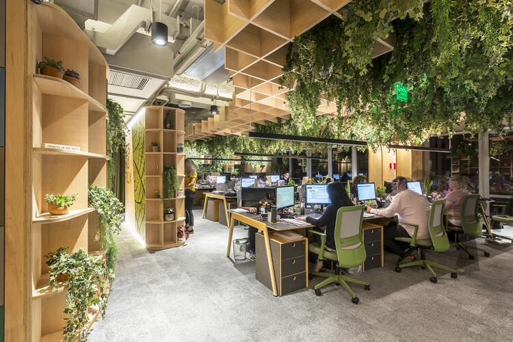 Reinventando espaços para o bem-estar pós pandemia, Escritório IT'S Biofilia / IT'S Informov. Imagem © Alexandre Oliveira – Jafo Fotografia