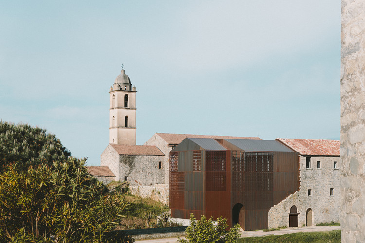 Convent Saint François / Amelia Tavella Architectes, © Thibaut Dini