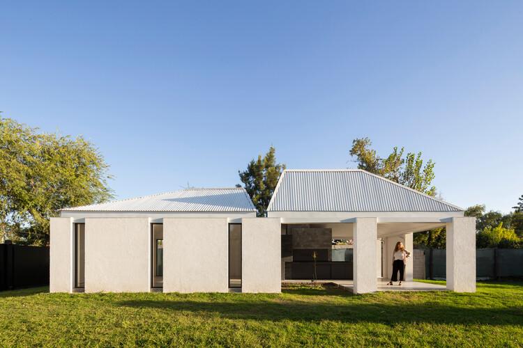 Casa y quincho Talacasto etapa I / Estudio 2(A) DosArquitectas, © Ramiro Sosa