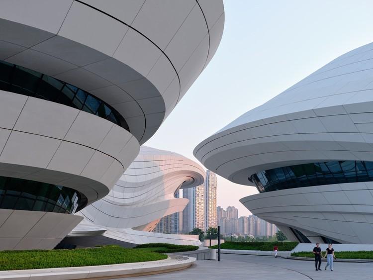 Международный центр культуры и искусства Чанша Мэйсиху / Zaha Hadid Architects.  Изображение © Вирджил Саймон Бертран