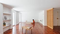 Casa Defensores de Chaves / Atelier 106