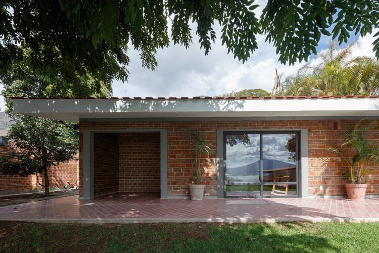 Casa San Juan Cosalá / SPRB Arquitectos, © Lorena Darquea