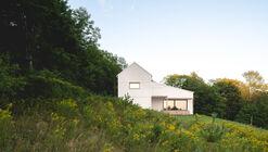 Saltbox Passive House / Atelier l'Abri