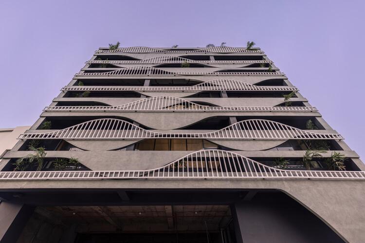 Дом из расплавленного бетона / Студия Ardete.  Изображение © Пурнеш Дев Нихандж