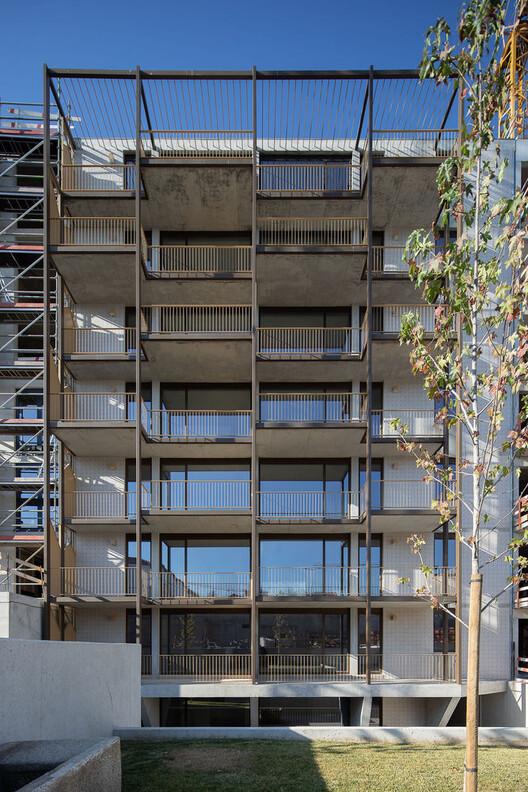 Апартаменты Pinto Bessa / depA architects.  Изображение © Хосе Кампос