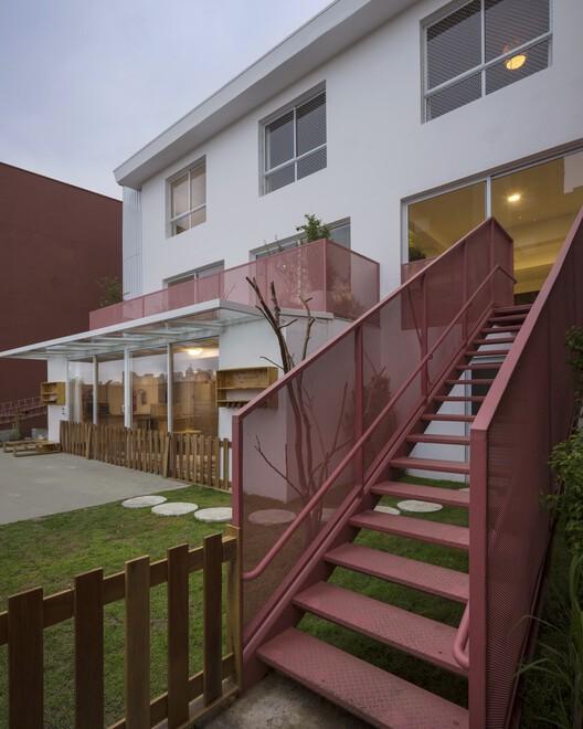 Семейная школа / ARKITITO Arquitetura + Oficina umauma + Luiza Gottschalk.  Изображение © Carolina Lacaz