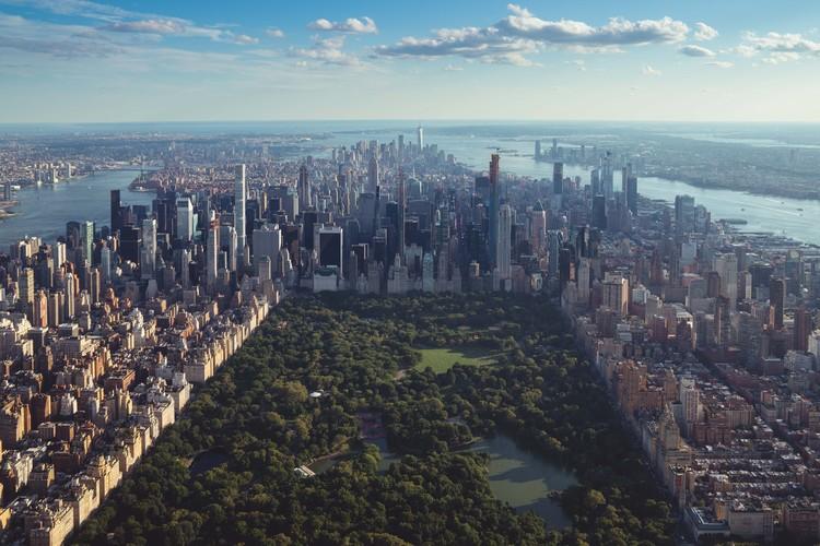 Desigualdad Verde: Revisando el acceso a los parques públicos en Nueva York, © Fotografía de Jermaine Ee en Unsplash