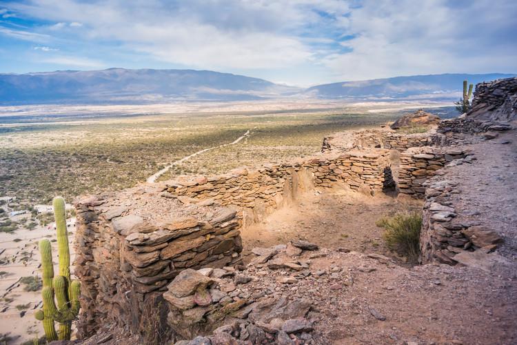 Quilmes Ruins, Tucumán, Argentina. Imagen de Guaxinim. Image via Shutterstock