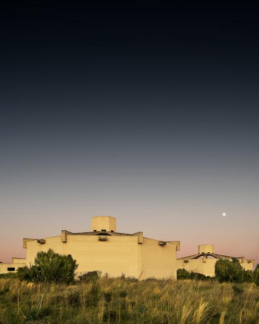 Кладбище Бон Сосек.  Изображение © Луис Борт