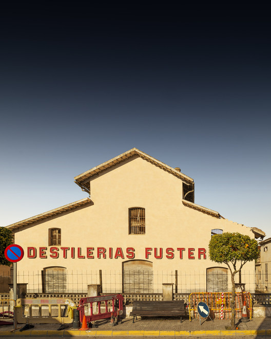Fuster Distilleries.  Изображение © Луис Борт