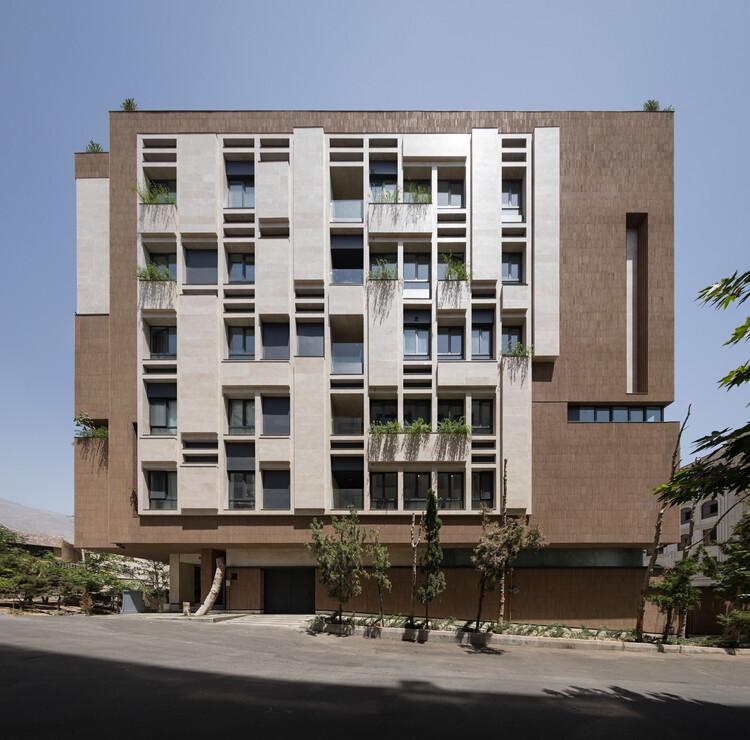 Paeiz 6 Residential Building / Hamedart, © Mohammad Hassan Ettefagh