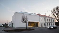 Centro Esportivo em Modřice / BOD Architekti