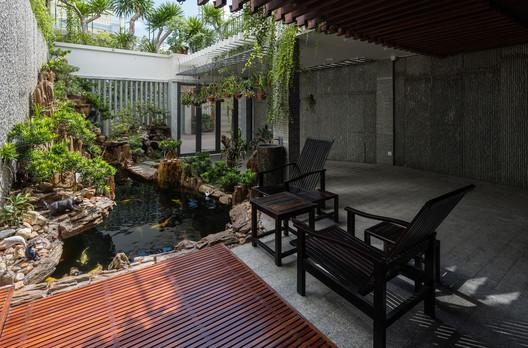 Roof Gardens / Ladesignstudio