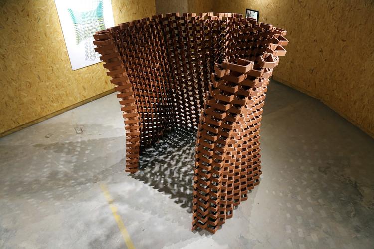 В Китае экспериментальный павильон керамического кирпича объединяет мастерство и цифровое производство.  © Кристиан Дж. Ланге