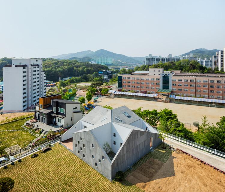 My Gumi Residence / poly.m.ur + Hyunju Lim, © Kyungsub Shin