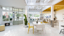 Concept Yard Café & Bed / Plang Guy