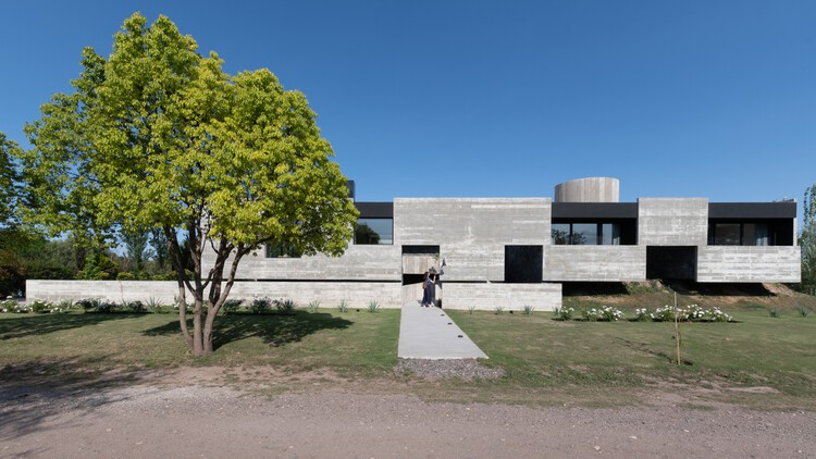 Casa mono / Patio Estudio, © Gonzalo Viramonte