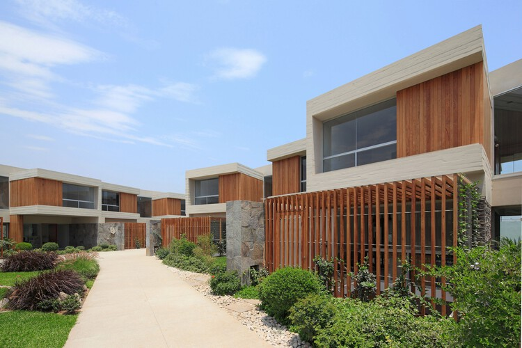 Condominio Las Moreras  / Gonzalez Moix Arquitectura, © Juan Solano Ojasi