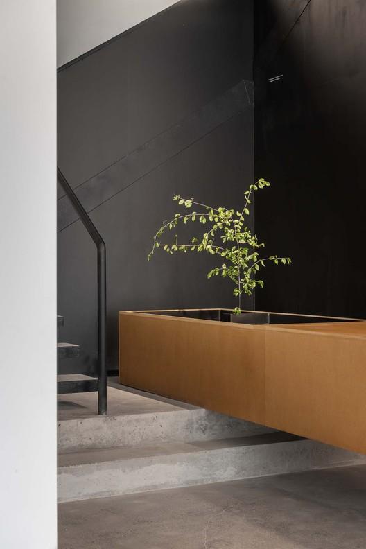 reception desk. Image © Jing Guo