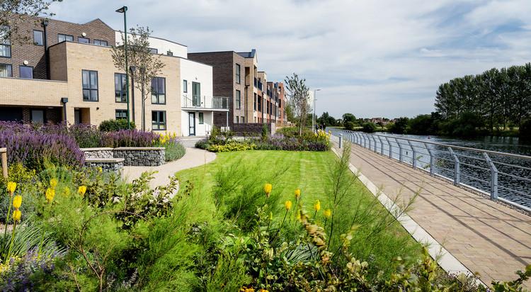 Los edificios de energía neta cero son fundamentales para evitar la aceleración del cambio climático   , Cortesía de Trent Basin, Nottingham, UK. Blueprint Regeneration, Martine Hamilton Knight