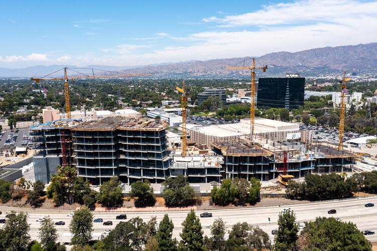 Avanza la construcción del proyecto Second Century de Frank Gehry, © Hunter Kerhart
