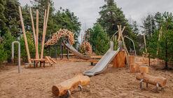 Eagles Land Playground / Chekharda Bureau