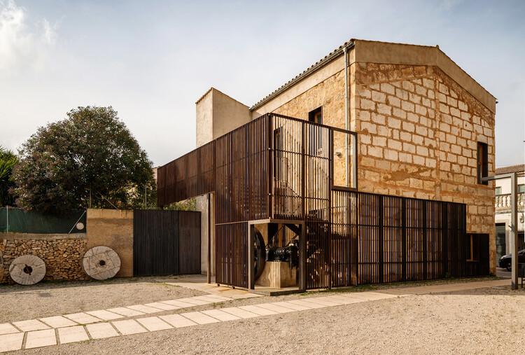 Reforma de la Farinera de Can Suau / Montis Sastre Arquitectura, © Alejandro Gómez Vives