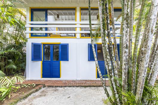 Casa Camburí / Samir Riman - Arquitetura