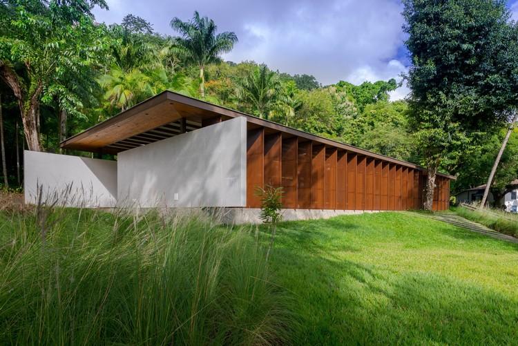 Refeitório e Espaço de Convivência da Associação Barreiros / Dall'Ovo Magalhães Arquitetura, © Gabriel Neri Faim