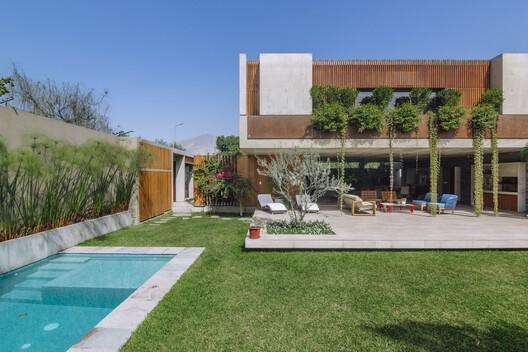 Casa axé / Gonzalez Moix Arquitectura
