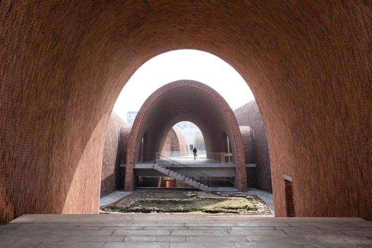 Jingdezhen Imperial Kiln Museum / Studio Zhu-Pei. Image Courtesy of Studio Zhu-Pei