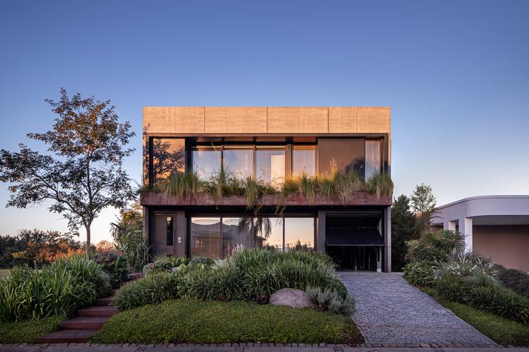 Casa F35 / Projetebem Arquitetura, © Gabriel Konrath