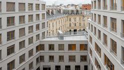 Edifício de Apartamentos e Creche / Lacroix Chessex